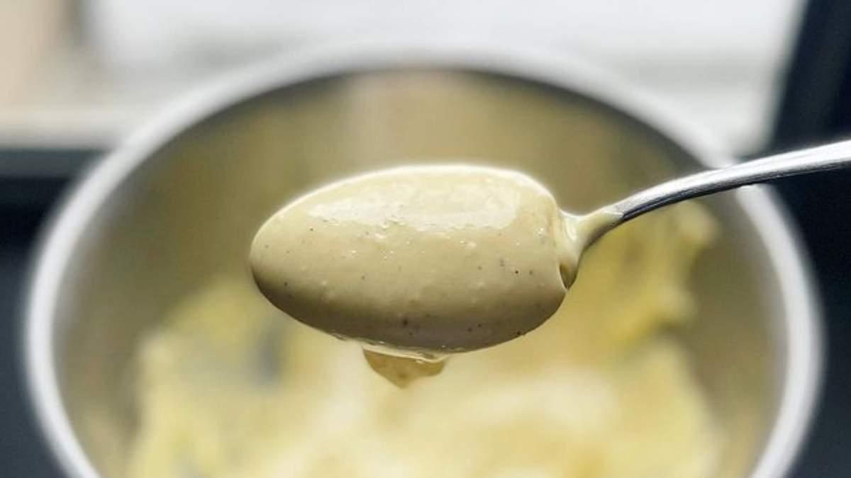 Владимир Ярославский готовит домашний майонез: видео