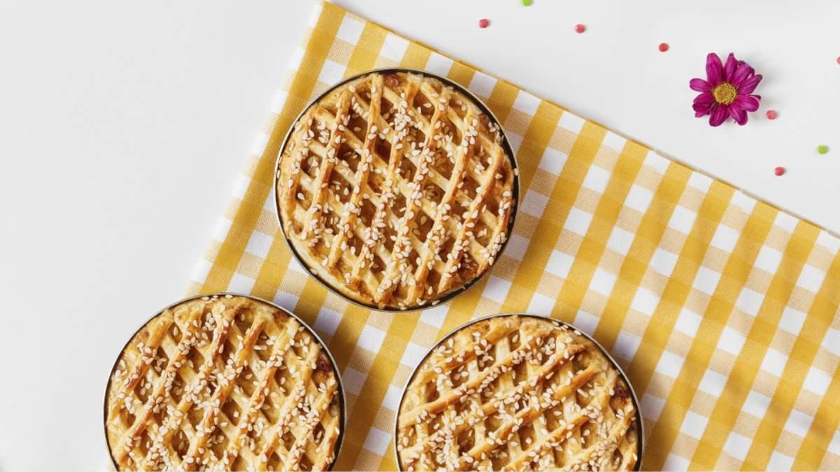Куриный пирог: рецепт с финиками и мандаринами