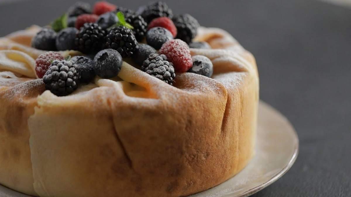Торт з млинців та ягідного крему за рецептом Лізи Глінської