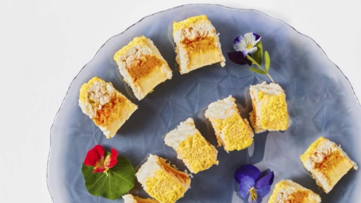Куриный салат-рулет Мимоза