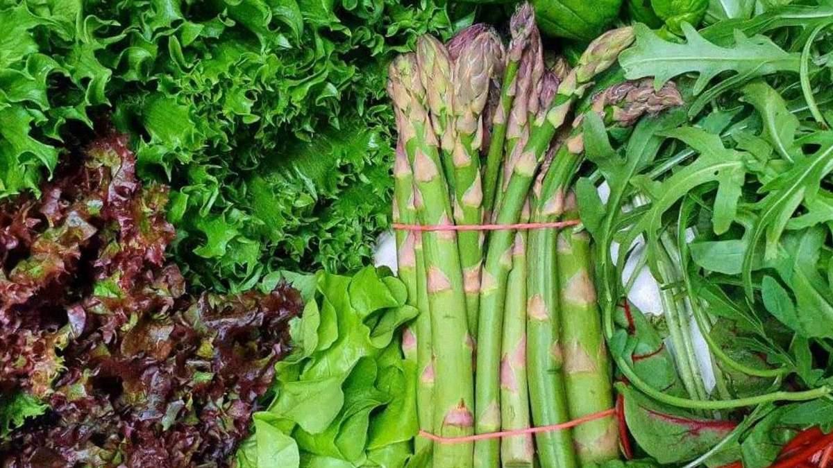 Сезонні продукти квітня: чим краще харчуватися весною