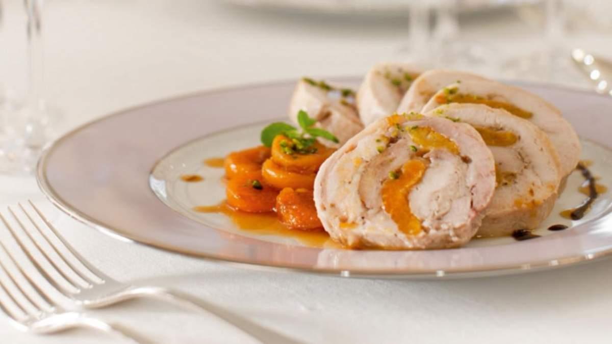 Как приготовить рулет из курицы с курагой: домашний рецепт