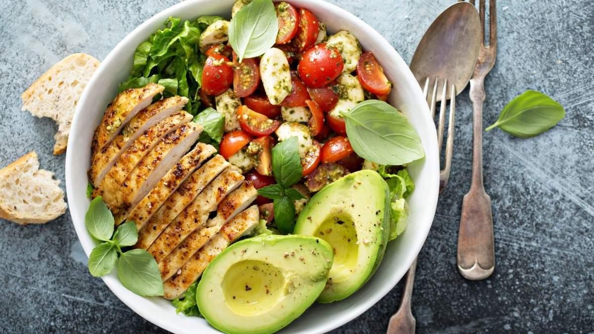 Салат с курицей: 3 летние рецепты салатов