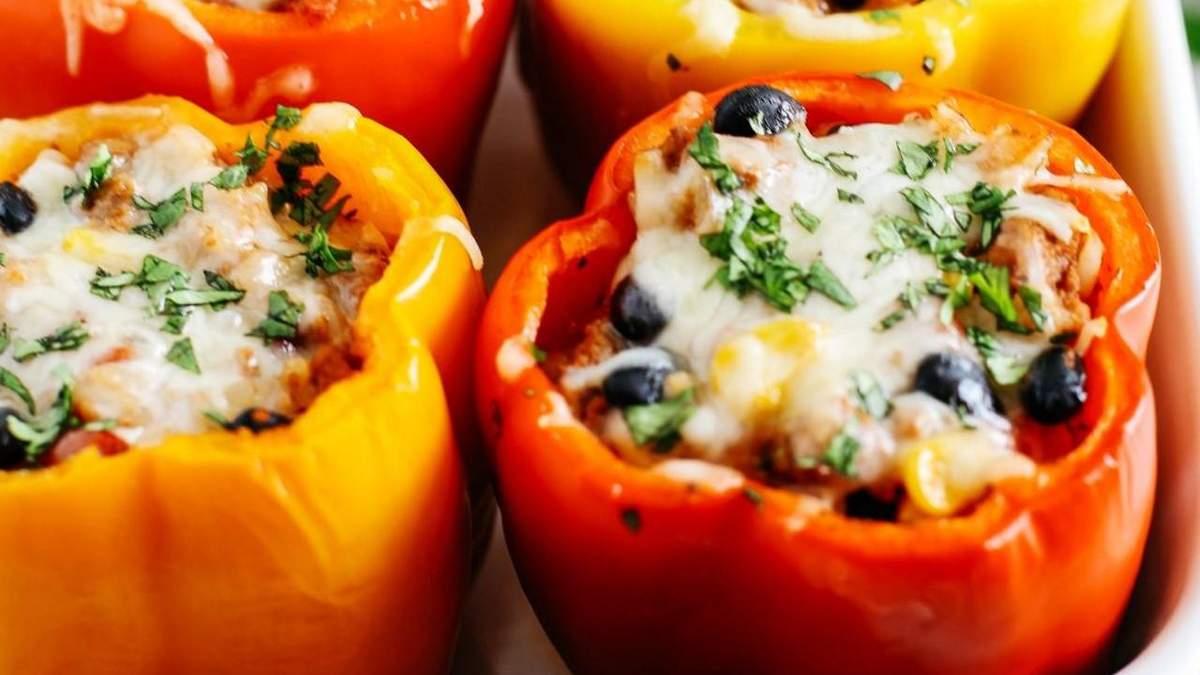 Як готувати перець з рисом і м'ясом в духовці: рецепт