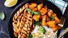 Ужин за 30 минут: вкусные блюда из куриных стрипсов и филе для отбивной