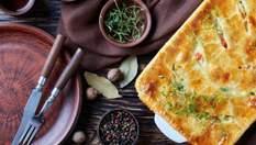 Вечеря за 30 хвилин: відкритий пиріг із грибами та куркою, паста в соусі болоньєзе та мусака