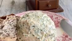 Всегда будет мало: аппетитная намазка на хлеб с чесноком и беконом