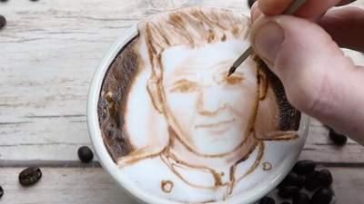 Портрет Гордона Рамзі на каві: Майкл Брейч здивував шедевральним малюнком шеф-кухаря