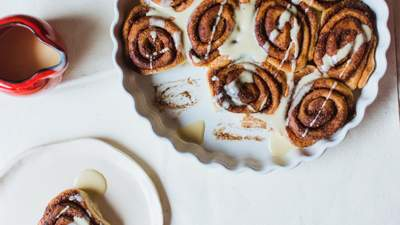 Як приготувати булочки Сінабон з корицею: домашній рецепт