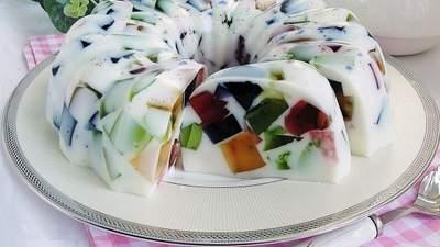 """Вкусные десерты, для которых не нужна духовка: """"Битое стекло"""", паннакотта и тирамису"""