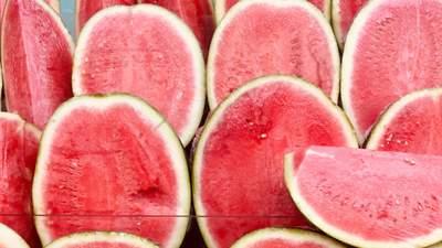 Вкуснота из арбуза: мороженое, желе и салат – самые интересные рецепты к Арбузному дню
