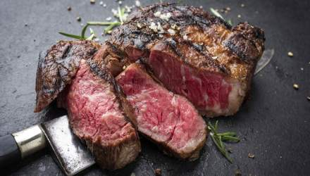 Все про стейк та його просмажки: головне для приготування смачного м'яса