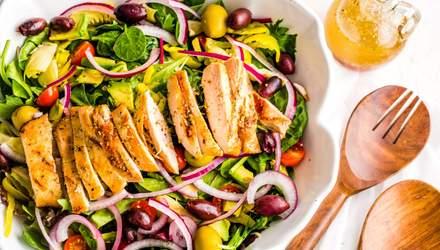 Три диетических рецепта салатов с куриной грудкой: вкусно и полезно