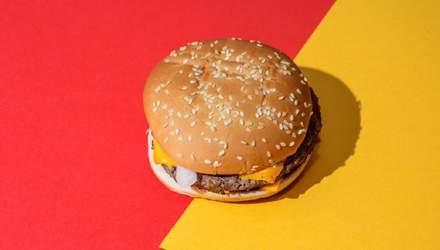Гамбургер без гамбургера: работник Макдональдса рассказал о самом необычном заказе – видео
