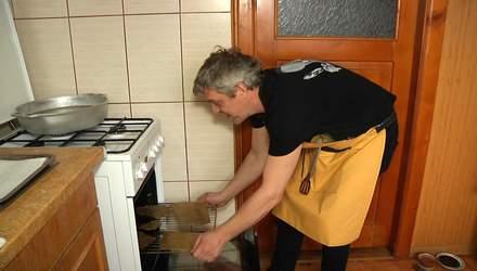 Смакує шкварки з шоколадом: українець готується встановити кулінарний рекорд