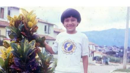 Ектор Хіменес-Браво розповів про своє дитинство та зачарував мережу дитячими фото