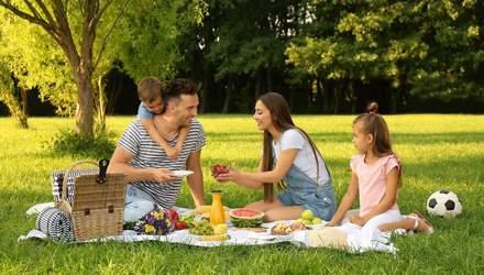 Что взять с собой на пикник: список необходимых вещей и продуктов