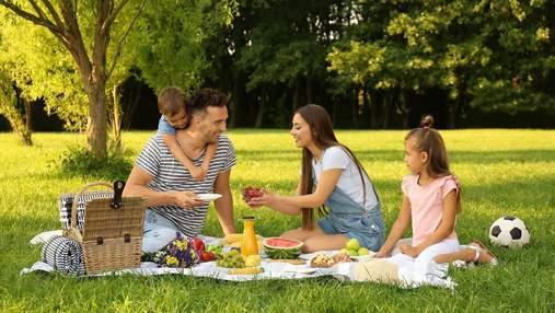 Що взяти з собою на пікнік: список необхідних речей та продуктів