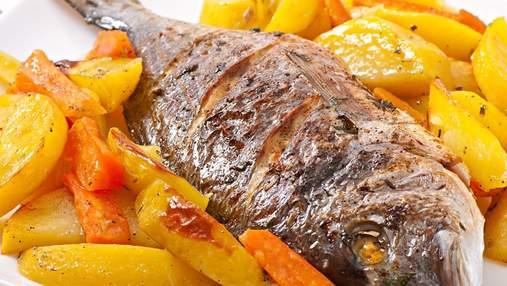 Запечена дорадо з картоплею: простий рецепт