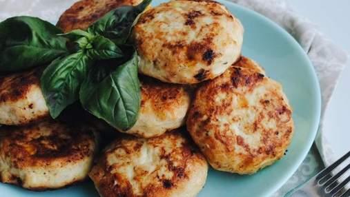 Диетическое блюдо на каждый день: куриные котлеты с кабачком и кукурузой