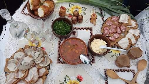 С жареной рыбой: в Николаеве нашли старинный рецепт зеленого борща