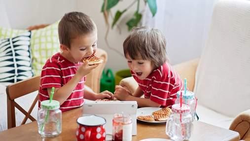 Без овсянки: 5 завтраков для детей перед школой, которые они уплетают за обе щеки