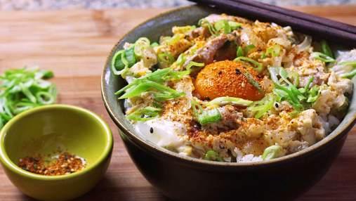 Как приготовить оякодон – японский омлет с рисом и курицей