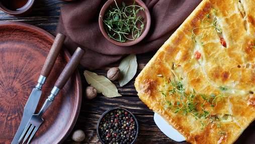Ужин за 30 минут: открытый пирог с грибами и курицей, паста в соусе болоньезе и мусака